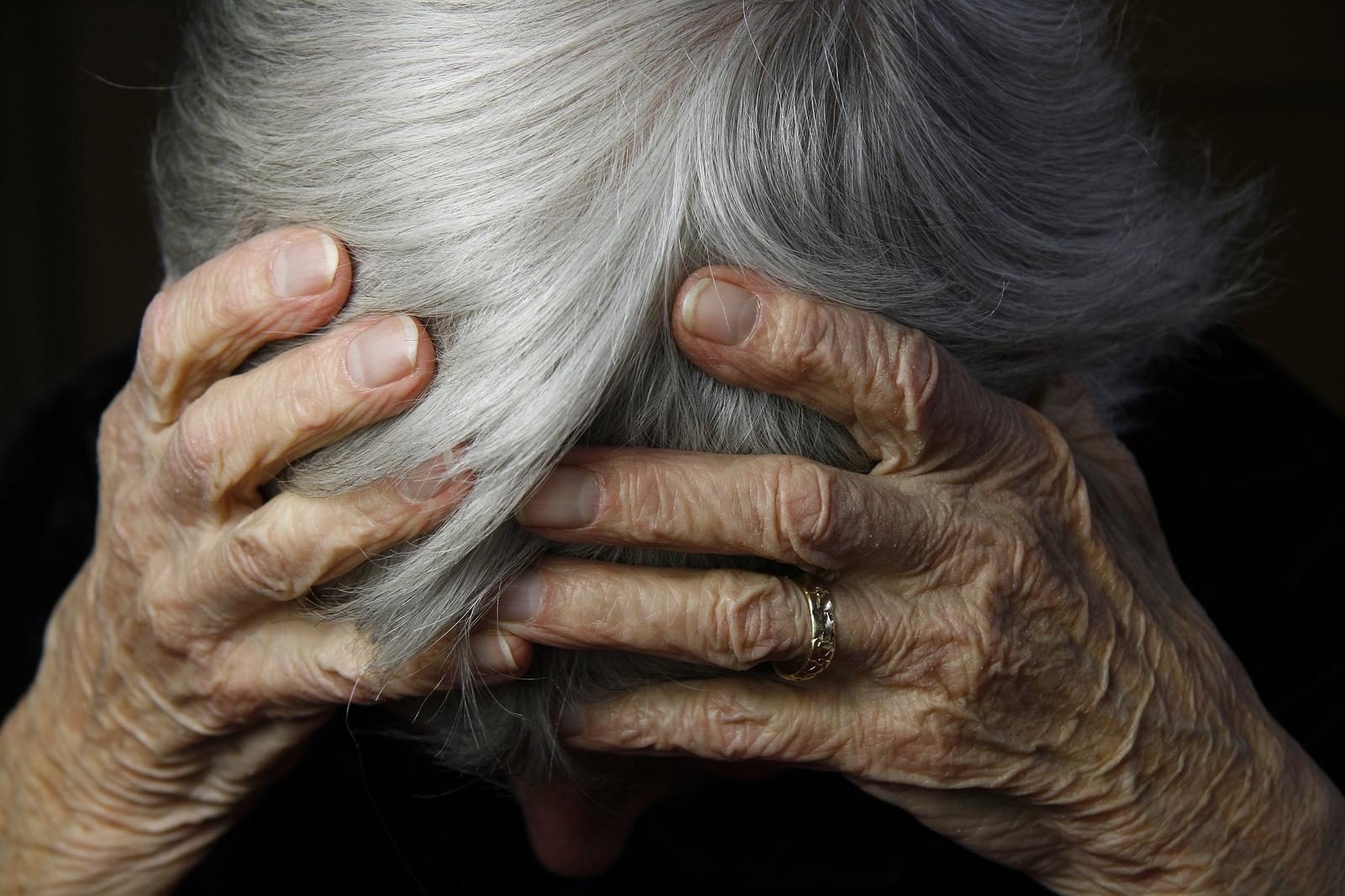 Penanganan Demensia Pada Lansia